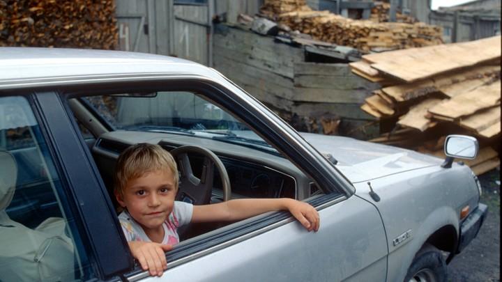 Коснётся инвалидов, родителей и водителей: Что изменится в России с 1 ноября?