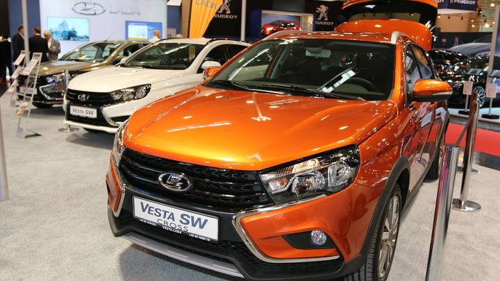 АвтоВАЗ устроил предновогоднее снижение цен на весь модельный ряд LADA