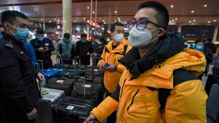 Число заразившихся уханьским синдромом перевалило за 2 тысячи, американцы пакуют чемоданы, чтобы бежать из Китая