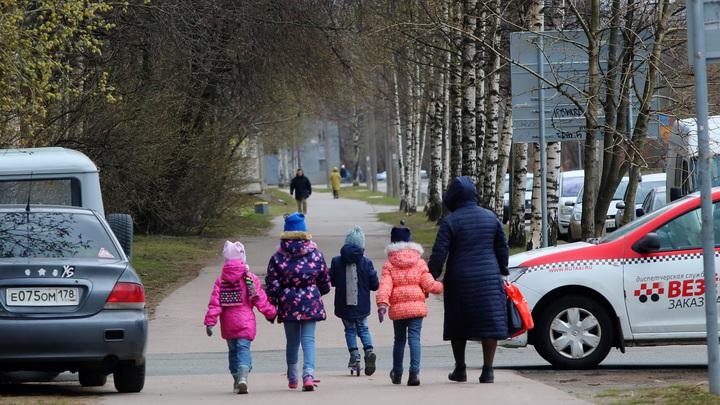 Маму 10 детей из Новосибирска пригласили для участия в передаче на Первом канале