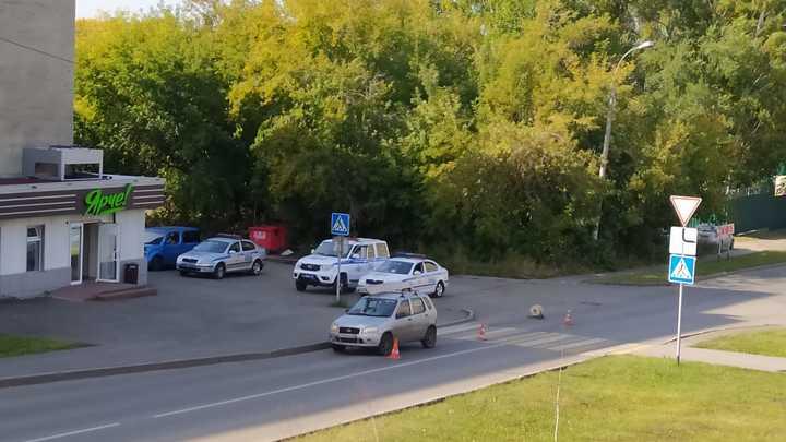 В Кемерове на пешеходном переходе машина сбила девочку