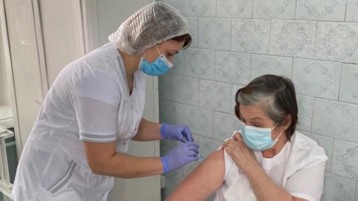 Пункты вакцинации в медорганизациях Кузбасса изменили график работы