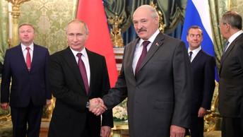Лукашенко пошутил про снаряд, из-за которого он передумал смотреть учения с Путиным