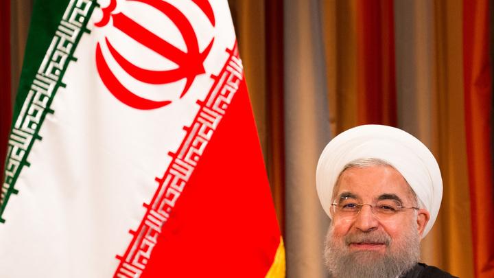 Иран показал новую баллистическую ракету с дальностью полета до 2 тыс. км