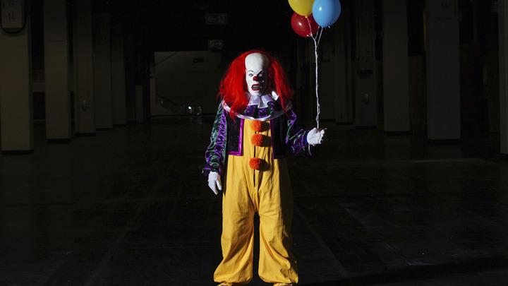 Burger King остроумно подставил McDonald's с жалобой на клоуна из фильма Оно