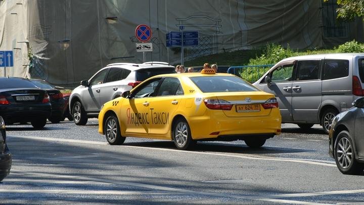 Родителей умытых зеленкой в такси школьниц привлекут за плохое воспитание