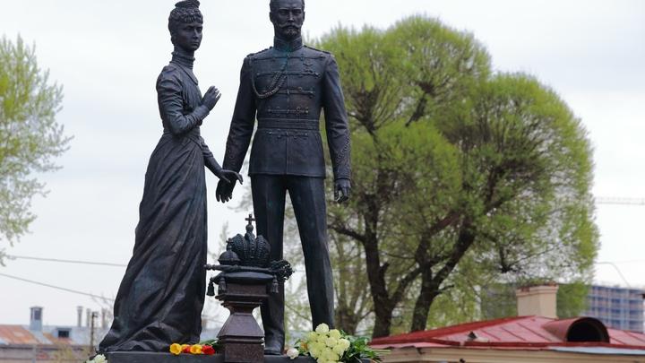 Трогательные признания в любви Николая II его жене украсили улицы Москвы
