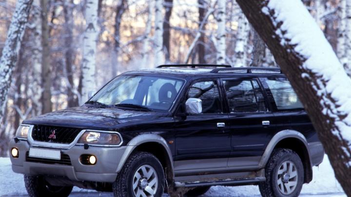 Mitsubishi назвала причину отзыва 100 тысяч авто из России