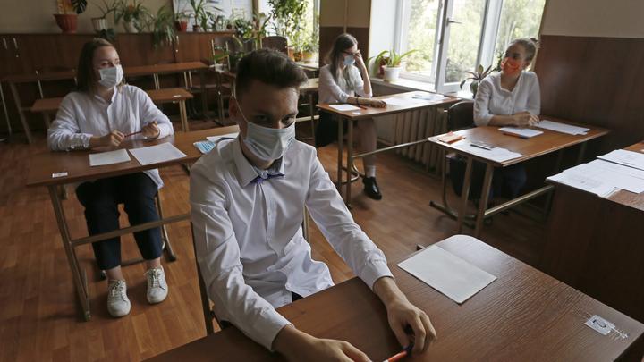 Мелик-Гусейнов попросил не водить детей в школы и детсады, если дома кто-то болеет COVID-19