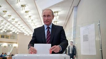 СМИ: Тулеев не уйдет с поста губернатора до марта 2018 года