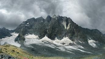В горах Монголии обнаружили тела 10 погибших альпинистов