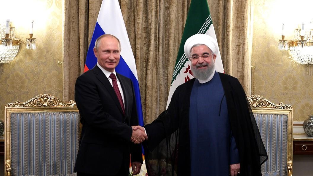 Президент Ирана тепло встретил Владимира Путина во дворце Саадабад