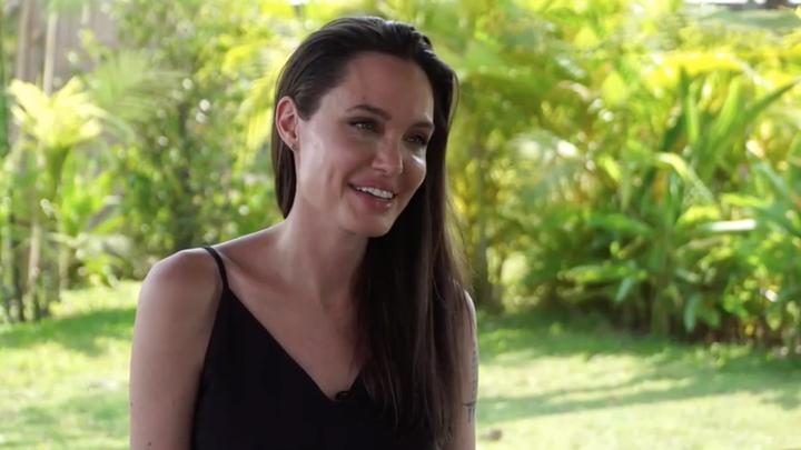 Анджелина Джоли готовит четвертую буддистскую свадьбу в Камбодже - СМИ