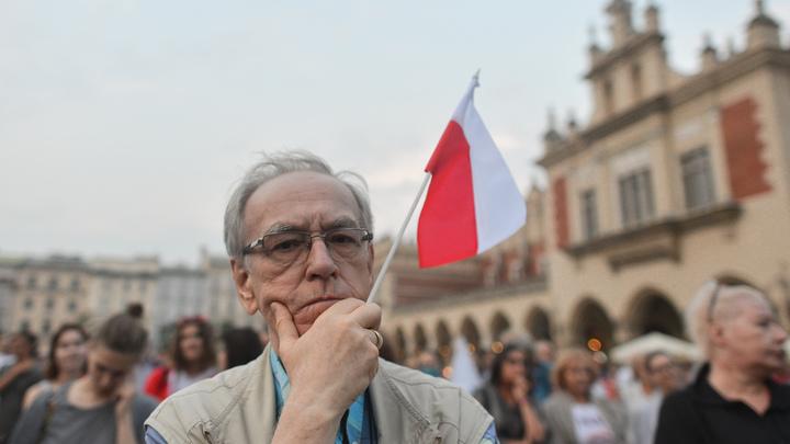 В Польше остались недовольны голословным отрицанием мундиров СС на Украине