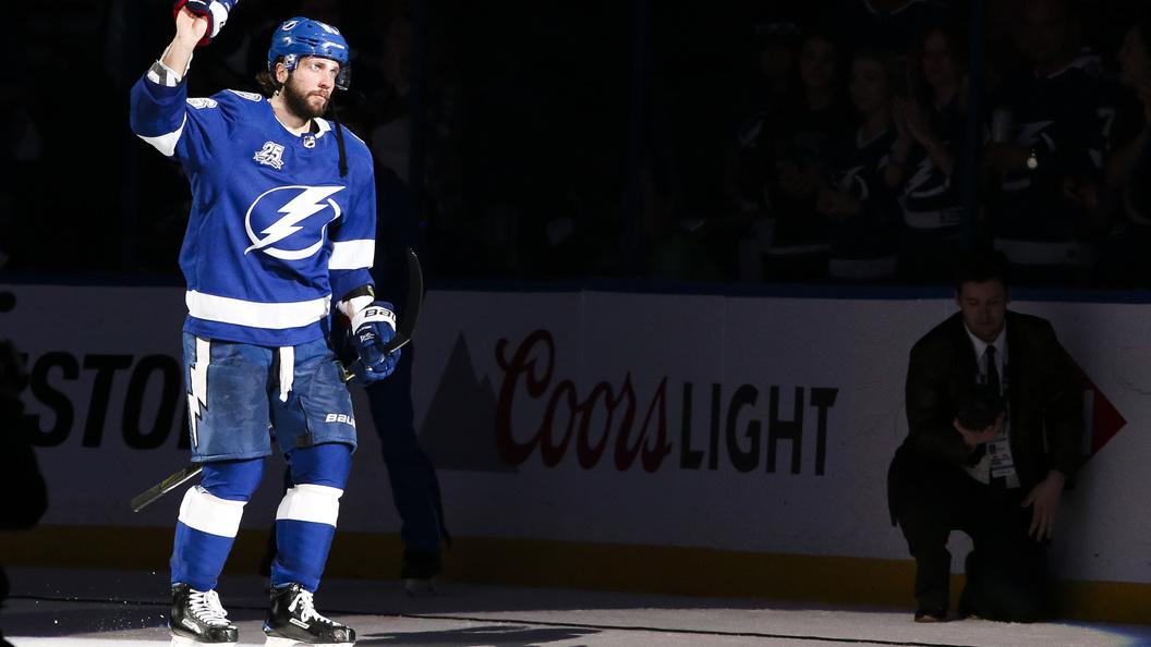 Шайбы Сергачева иКучерова вывели «Тампу» вчетвертьфинал плей-офф НХЛ