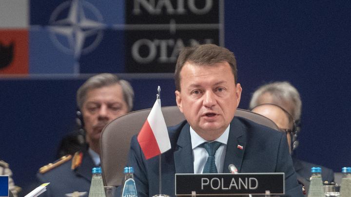 Глава Минобороны Польши обвинил Кремль в грязной игре на чужой границе