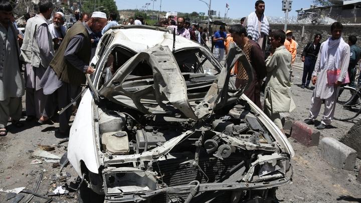 Террорист направил начиненный взрывчаткой автомобиль в колонну НАТО в Кабуле