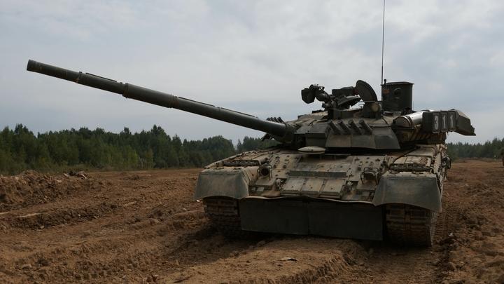 На видео с учений Запад-2017 засветился российский реактивный танк Т-80