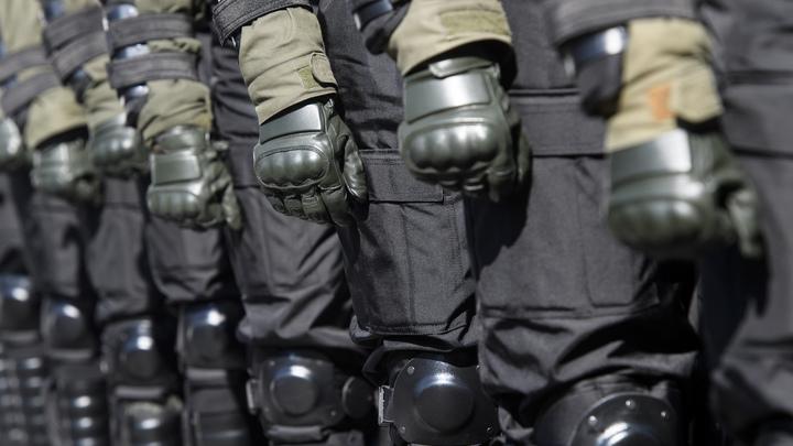 На Украине активисты штурмуют облгосадминистрацию Николаева: Полицейский кордон прорван