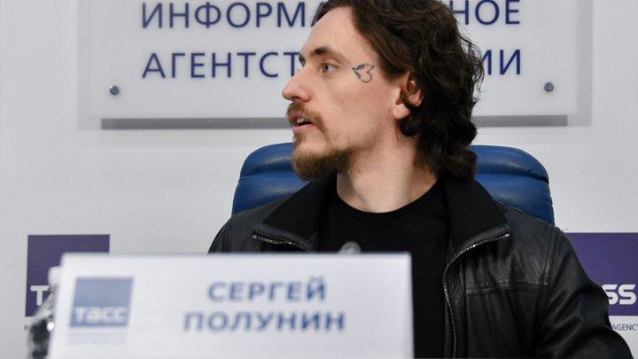 Уважаю традиции: Танцовщик Полунин вызвал ажиотаж исчезнувшей татуировкой с Путиным