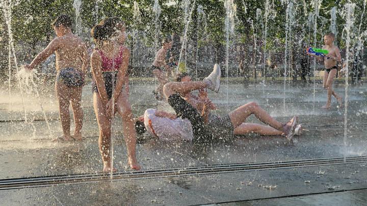 Асфальт плавится: Москвичам пообещали адскую жару