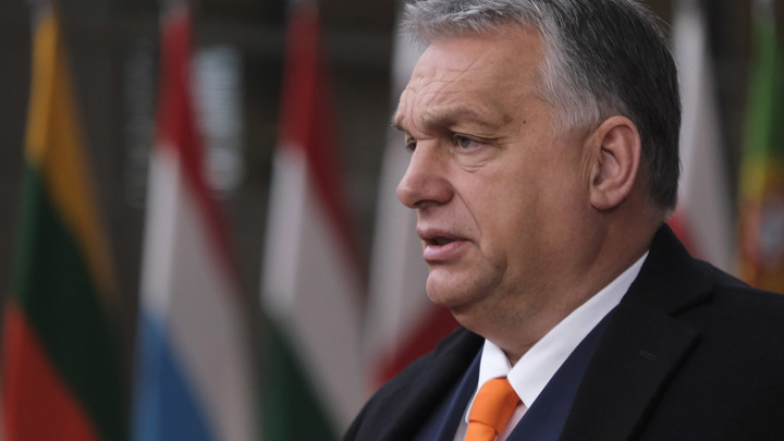 Виктор Орбан предлагает отложить Закат Европы