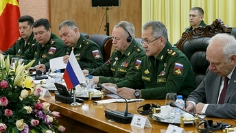 НАТО надо: Шойгу заявил о военной активности Альянса у российских границ