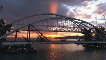 Крымский мост существует: Доказано из космоса - фото