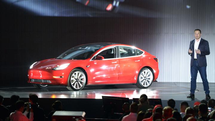 Электрокар Tesla смог проехать более 1000 километров без подзарядки
