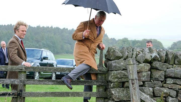 Подожди еще чуть-чуть: СМИ узнали, когда Елизавета II собирается уступить трон принцу Чарльзу