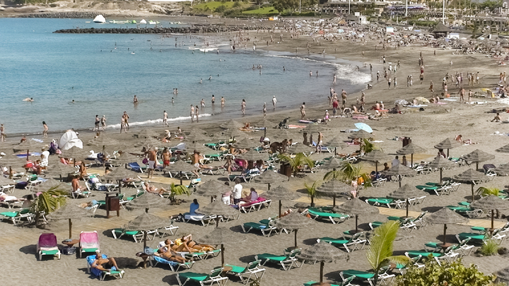 Видео с высадкой мигрантов с лодки на пляже Испании взорвало Сеть