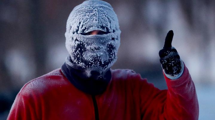 Аномальные морозы захватили Сибирь. Техника уже отказывает, но люди не сдаются