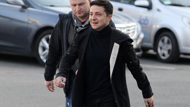 Зеленский указал Порошенко на дверь: Общество не простит