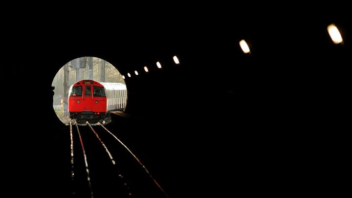 В Лондоне в час пик вспыхнул вагон метро