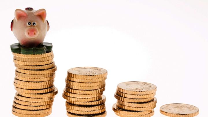 Доллар, евро или рубль? Большинство жителей России доверились только одной валюте – опрос