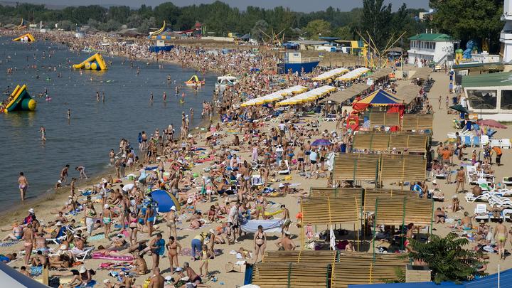 В Анапе закрыли все пляжи из-за смертельно опасного течения. Отдыхающие игнорируют запрет