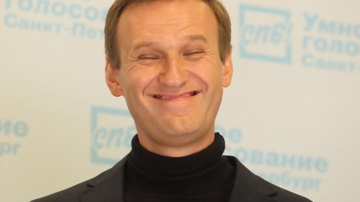 Да просто потому, что привык врать:  Навального поймали на воровстве чужой фотографии