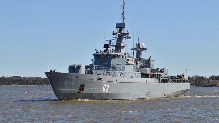 Извиняться перед русскими пришлось экстренно: Финский корабль прошел 600 метров по территории России