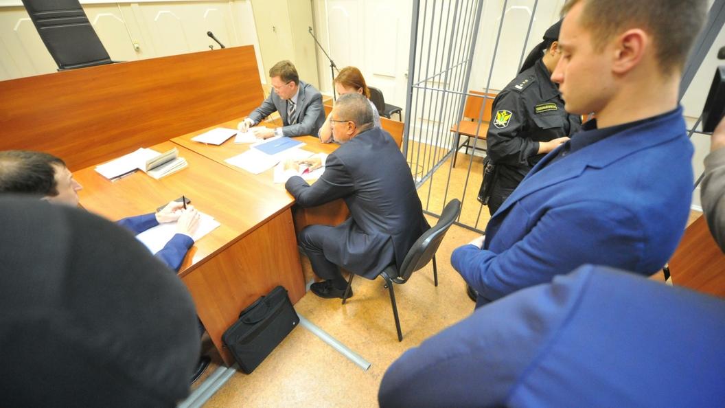 Улюкаев грозил Сечину негативными отзывами посделкам— обвинитель