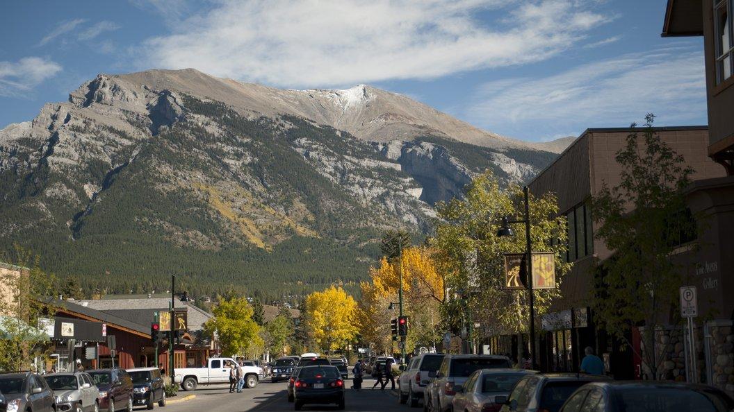 Экс-наставник сборной Канады по биатлону погиб при восхождении на гору