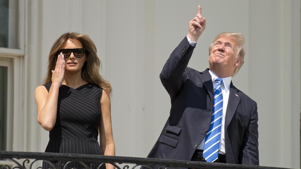 СМИ США напали на Трампа за неправильный взгляд на затмение