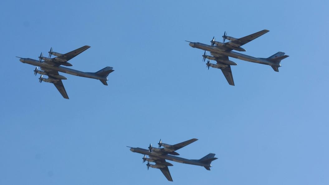 Русские стратегические бомбардировщики выполнили полеты над Тихим океаном иЯпонским морем