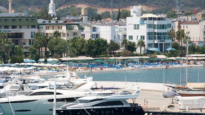 Российский турист скончался на курорте в турецком Кемере