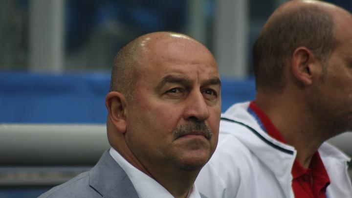Черчесов предложил не плакаться об отсутствии футболистов в России