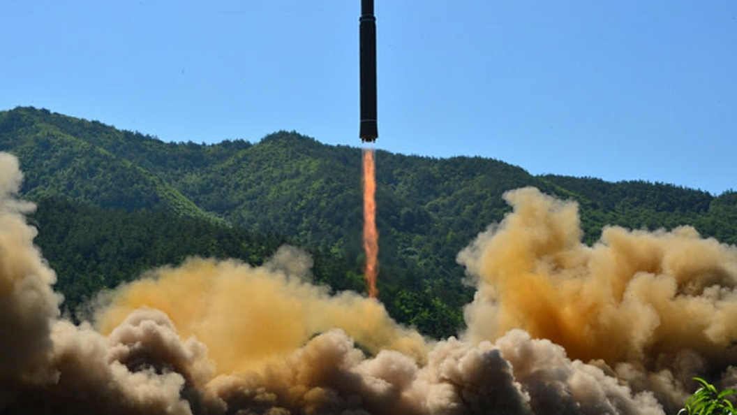 СМИ: Посла КНДР пропесочили в Лондоне после пролета ракеты над Японией