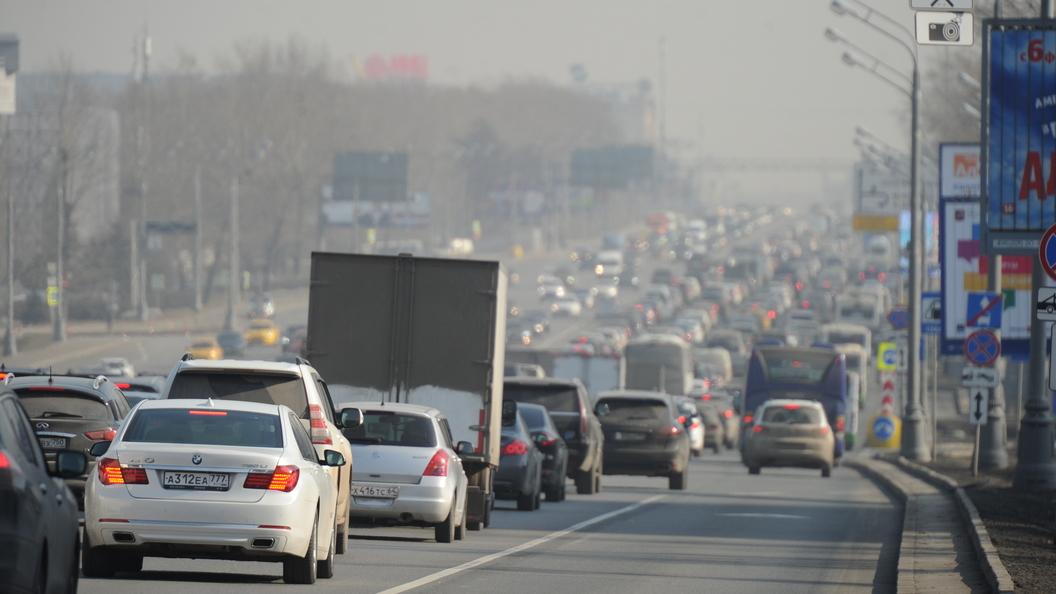 Эксперты подсчитали средний возраст автомобилей на дорогах России