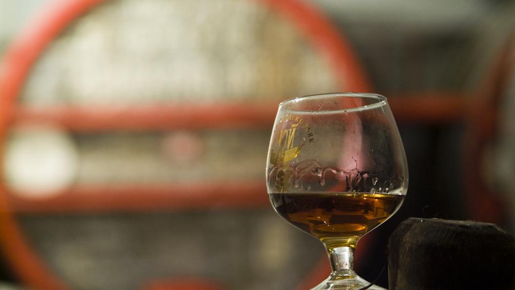 Мантуров: Торговля алкоголем в Сети - дело правильное