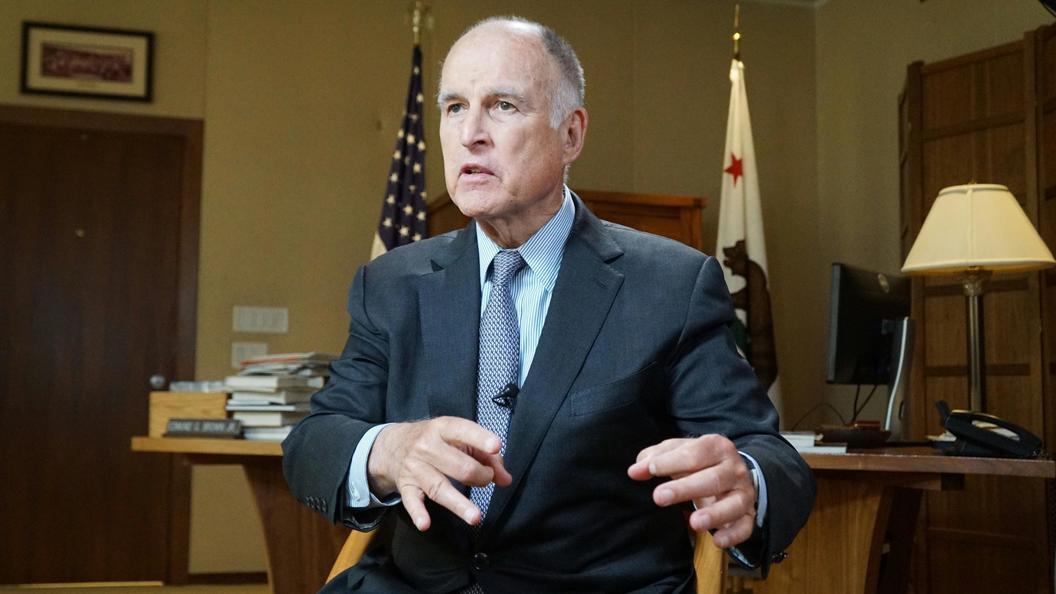Губернатор Калифорнии Браун собирается на ВЭФ во Владивосток