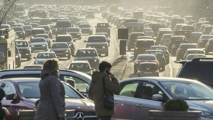 ЦОДД объяснил причину транспортного коллапса на дорогах Москвы
