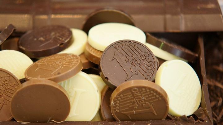 Швейцарские кулинары изобрели рубиновый сорт шоколада